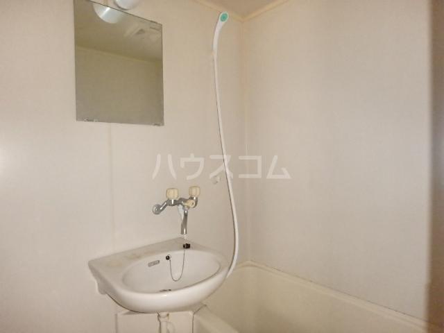 メゾン・ドゥ・ブランシェⅠ 102号室の風呂