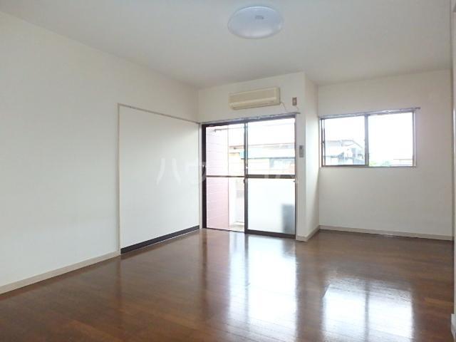 メゾン・ドゥ・ブランシェⅠ 102号室の居室