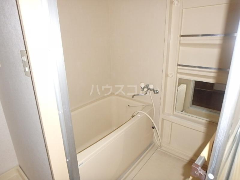 サンライズ本郷 106号室の風呂