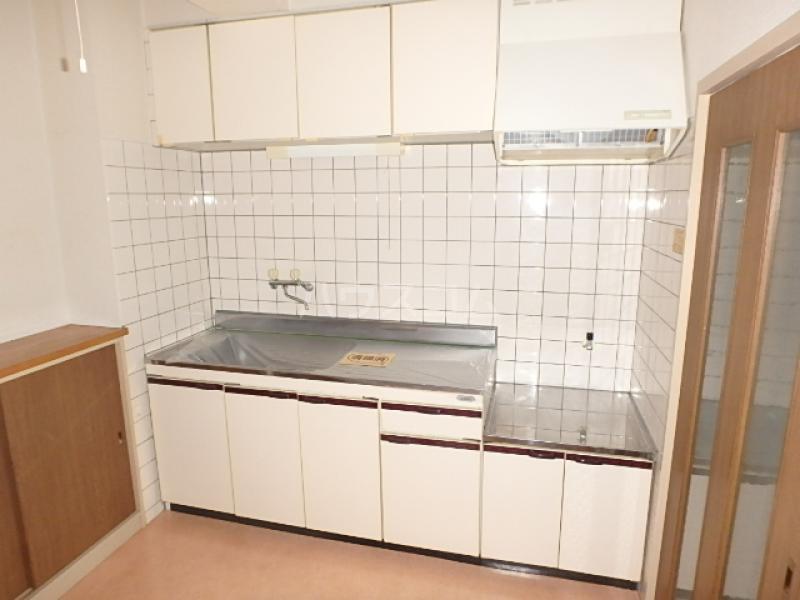 サンライズ本郷 106号室のキッチン