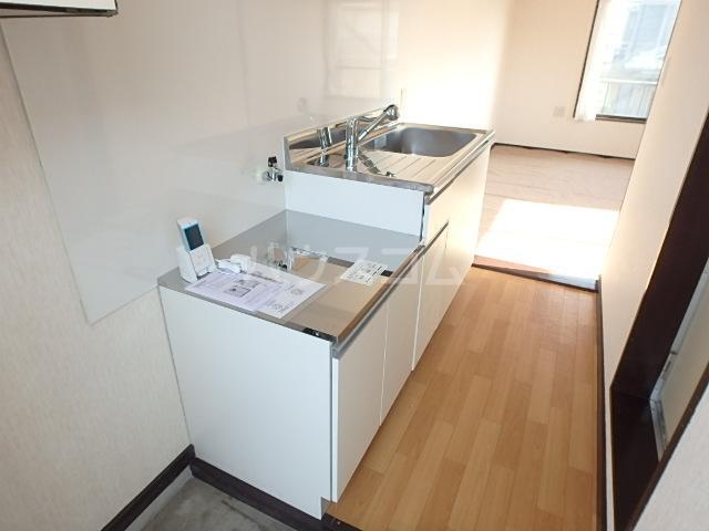セントラルハイツ 201号室のキッチン