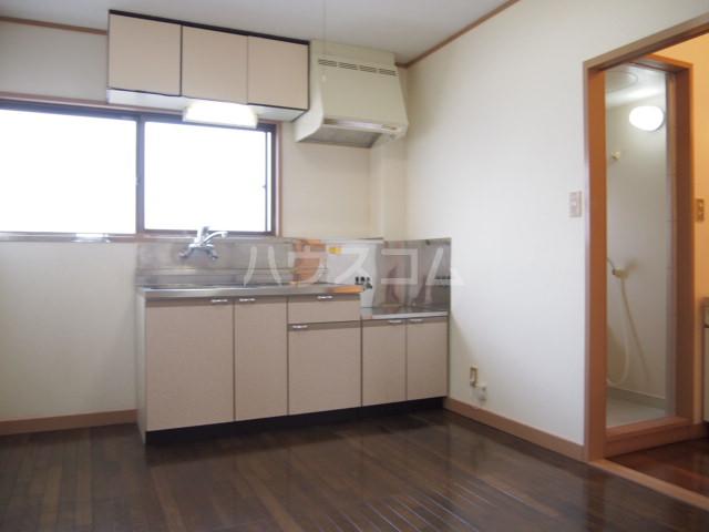 メディオ・アイ 405号室のキッチン