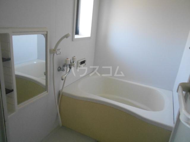ロワール C棟 202号室の風呂