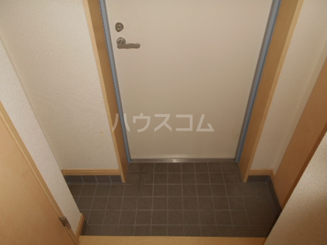 ネオビクトリー 102号室の玄関