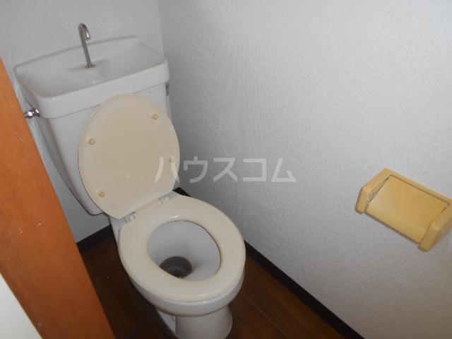 早川グリーンハイツ 301号室のトイレ