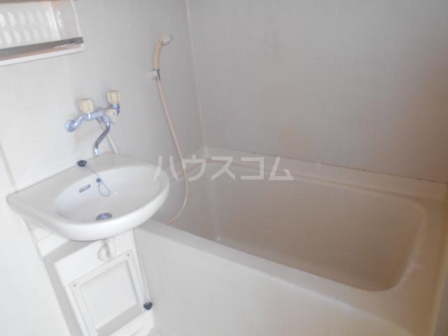 早川グリーンハイツ 301号室の風呂