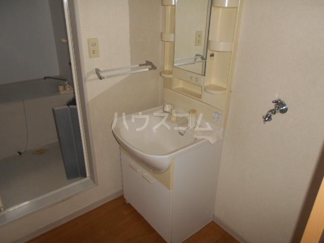 パークアベニューA 102号室の洗面所