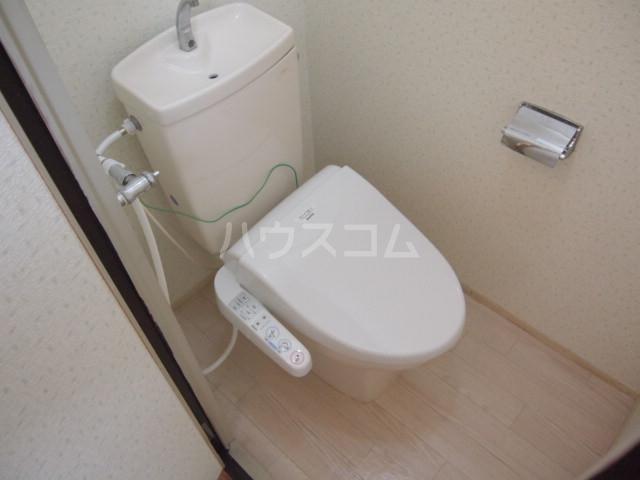 プラムハイツ 103号室のトイレ