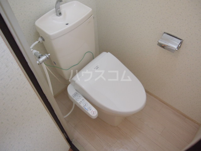 プラムハイツ 201号室のトイレ