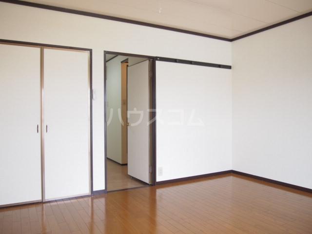 プラムハイツ 201号室のベッドルーム