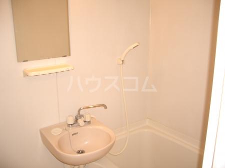 マ・メゾン 203号室の洗面所
