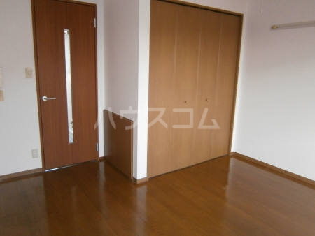 マ・メゾン 203号室の居室