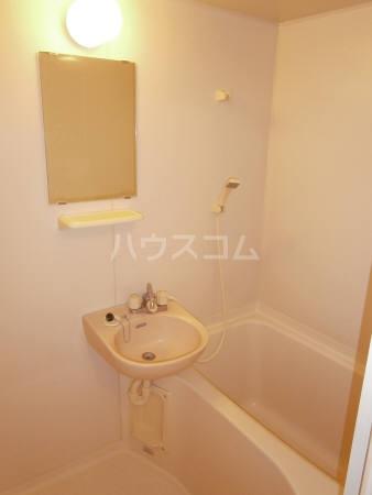 マ・メゾン 203号室の風呂