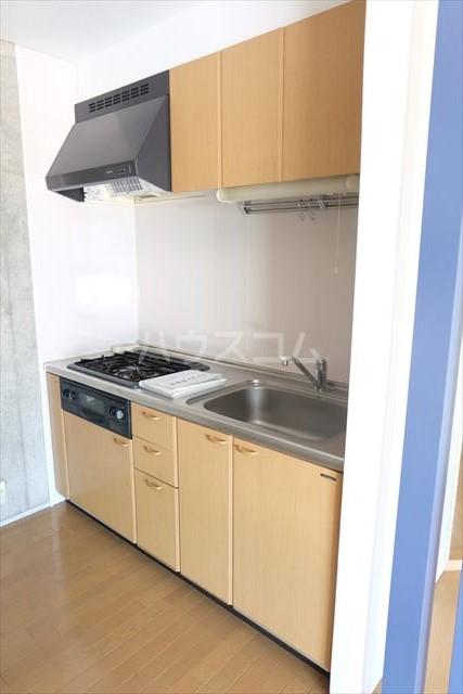 アールベール 401号室のキッチン