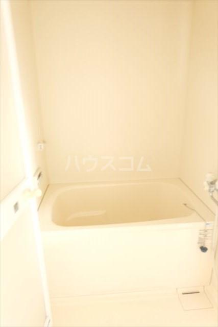 アールベール 401号室の風呂