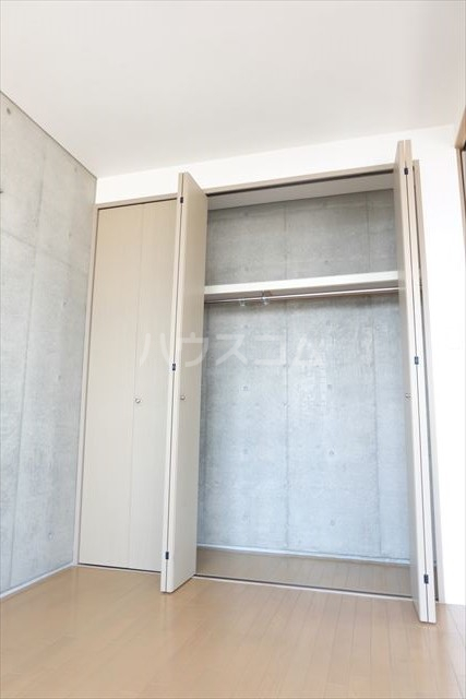 アールベール 401号室の収納