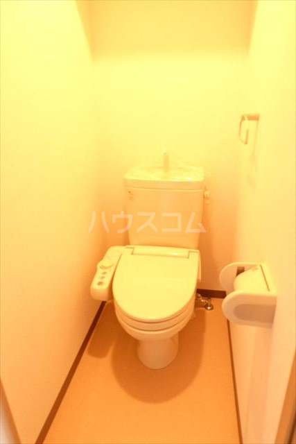 アールベール 401号室のトイレ