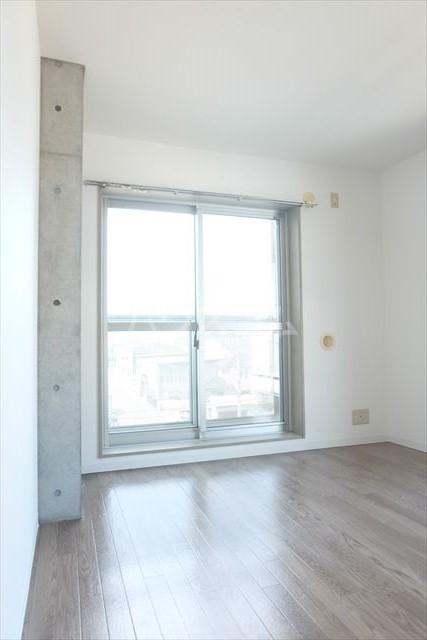 アールベール 401号室の居室
