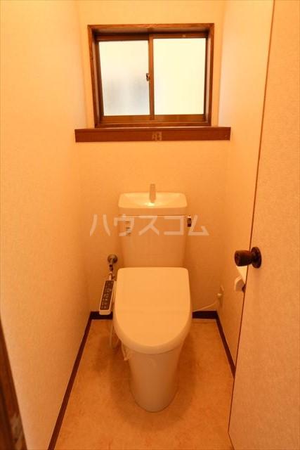 細内貸家のトイレ