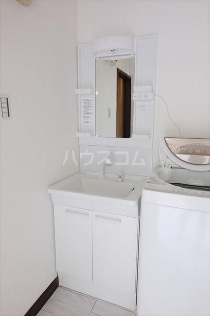 ハピネスコーポ A 101号室の洗面所