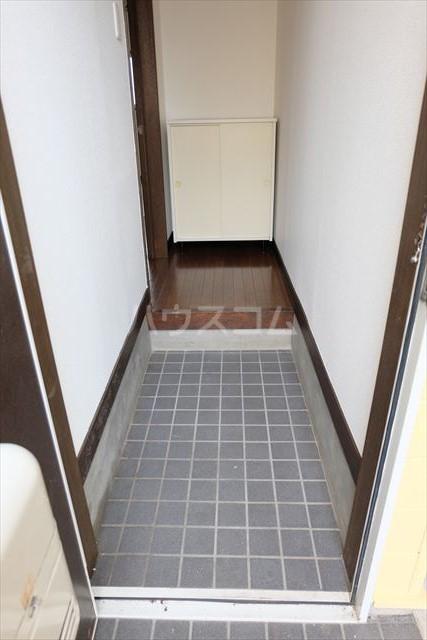ハピネスコーポ A 101号室の玄関