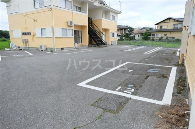 ハピネスコーポ A 101号室の駐車場
