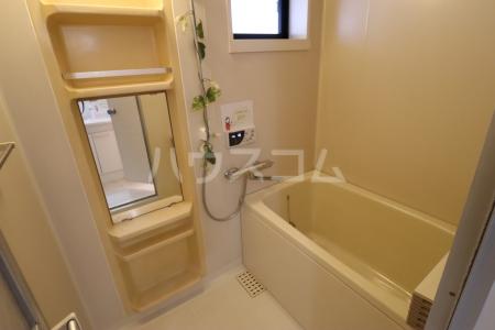 シルキーハイツ 203号室の風呂