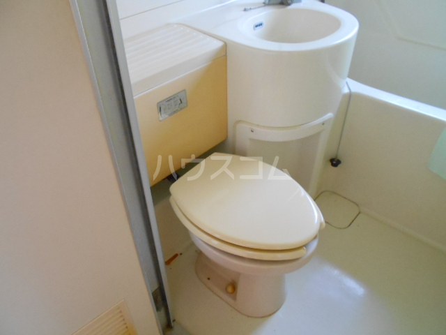 第3鈴木ビル 302号室のトイレ