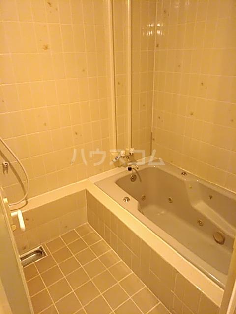 ラ・フルール神栖 107号室の風呂