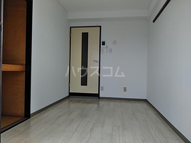 アンフィニィ・西町 317号室のリビング