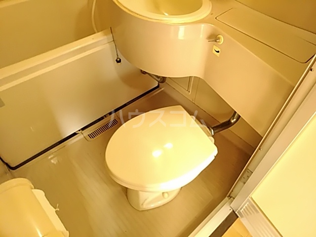 五月フレックスマンション 205号室のトイレ