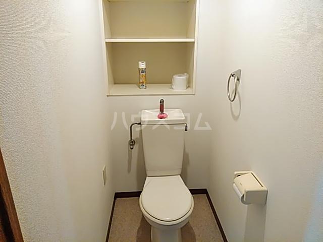 グリーンパークハイム 402号室のトイレ