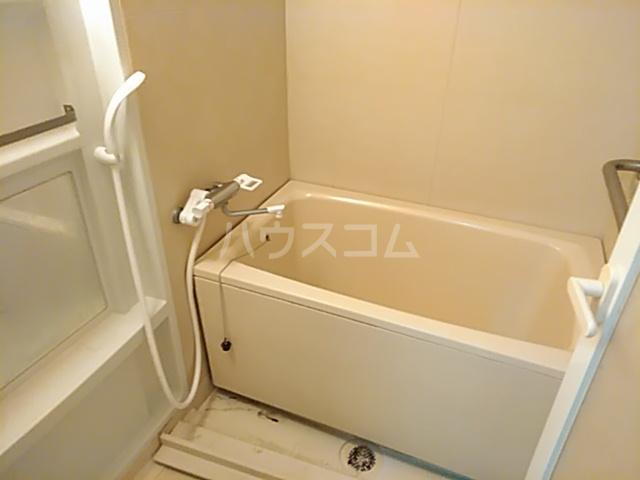 ファミール若園 303号室の風呂