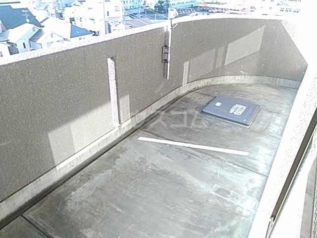 グローバルサイト茨木 206号室のバルコニー