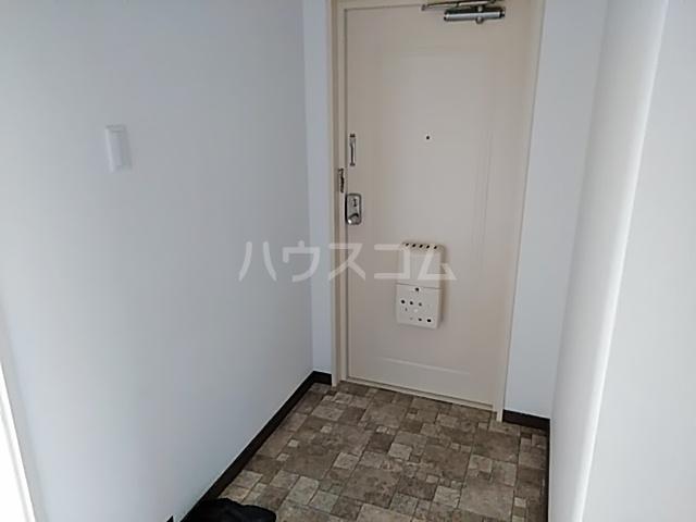 ハイツライラック 501号室の玄関
