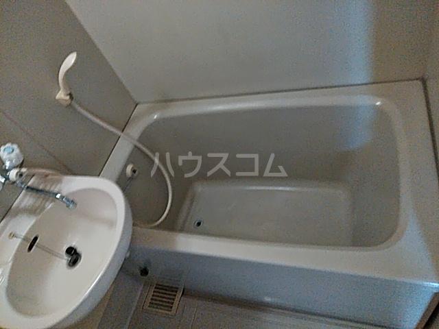 グリーンハイム箕面 2B号室の風呂
