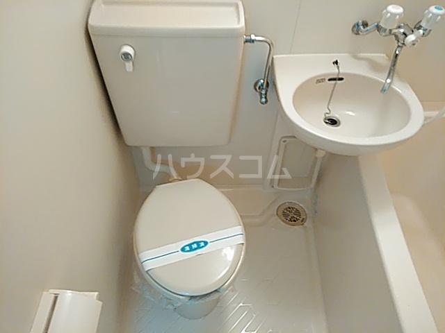 リバティハイツ 303号室のトイレ