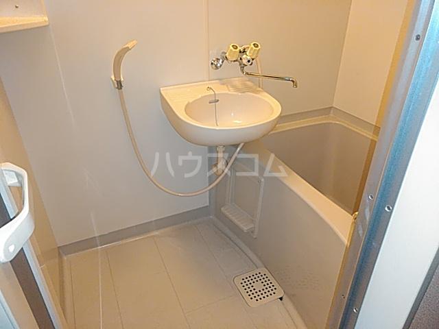 ソレーユ箕面 113号室の風呂