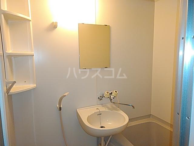 ソレーユ箕面 113号室の洗面所