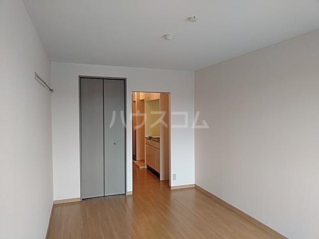 ソレーユ箕面 113号室の居室