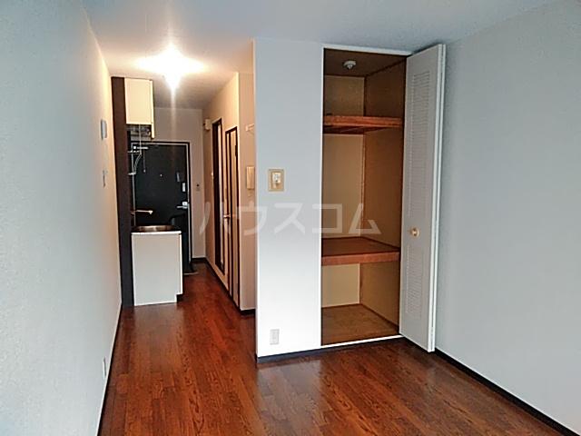 ヴィラージュみのお A307号室の居室