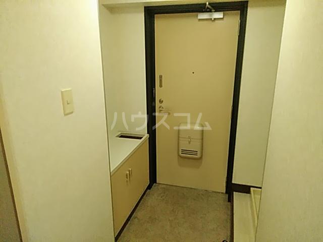 プレステージK  210号室の玄関