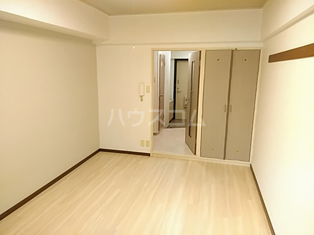 プレステージK  212号室の居室