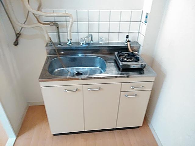 五月ハイツ 212号室のキッチン