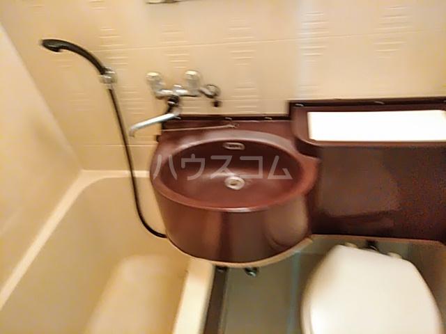 五月ハイツ 212号室の洗面所