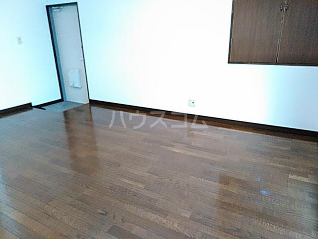 ハイツ松永 201号室の居室
