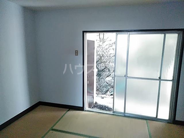 小野マンション 206号室の居室