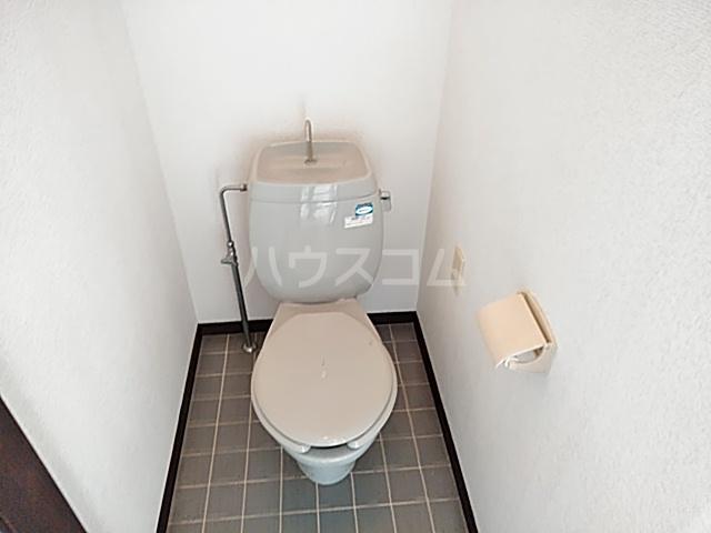 箕面エレガンス88 104号室のトイレ