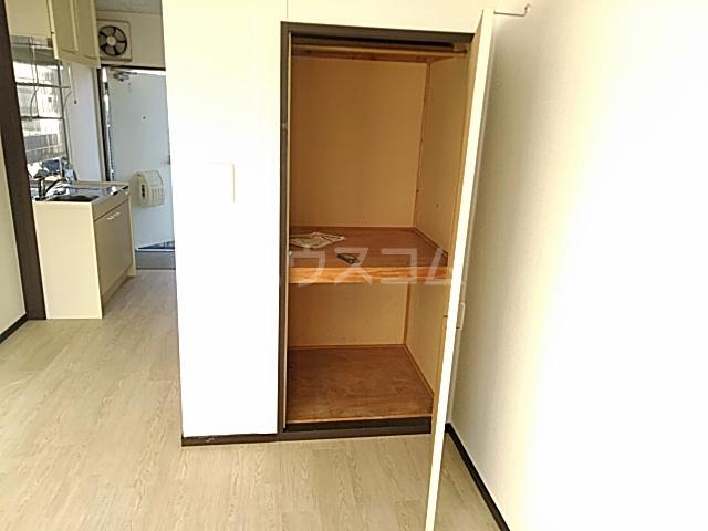 箕面エレガンス88 104号室の収納