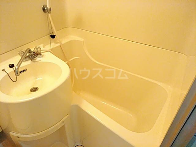 サンシャトー粟生間谷 205号室の風呂